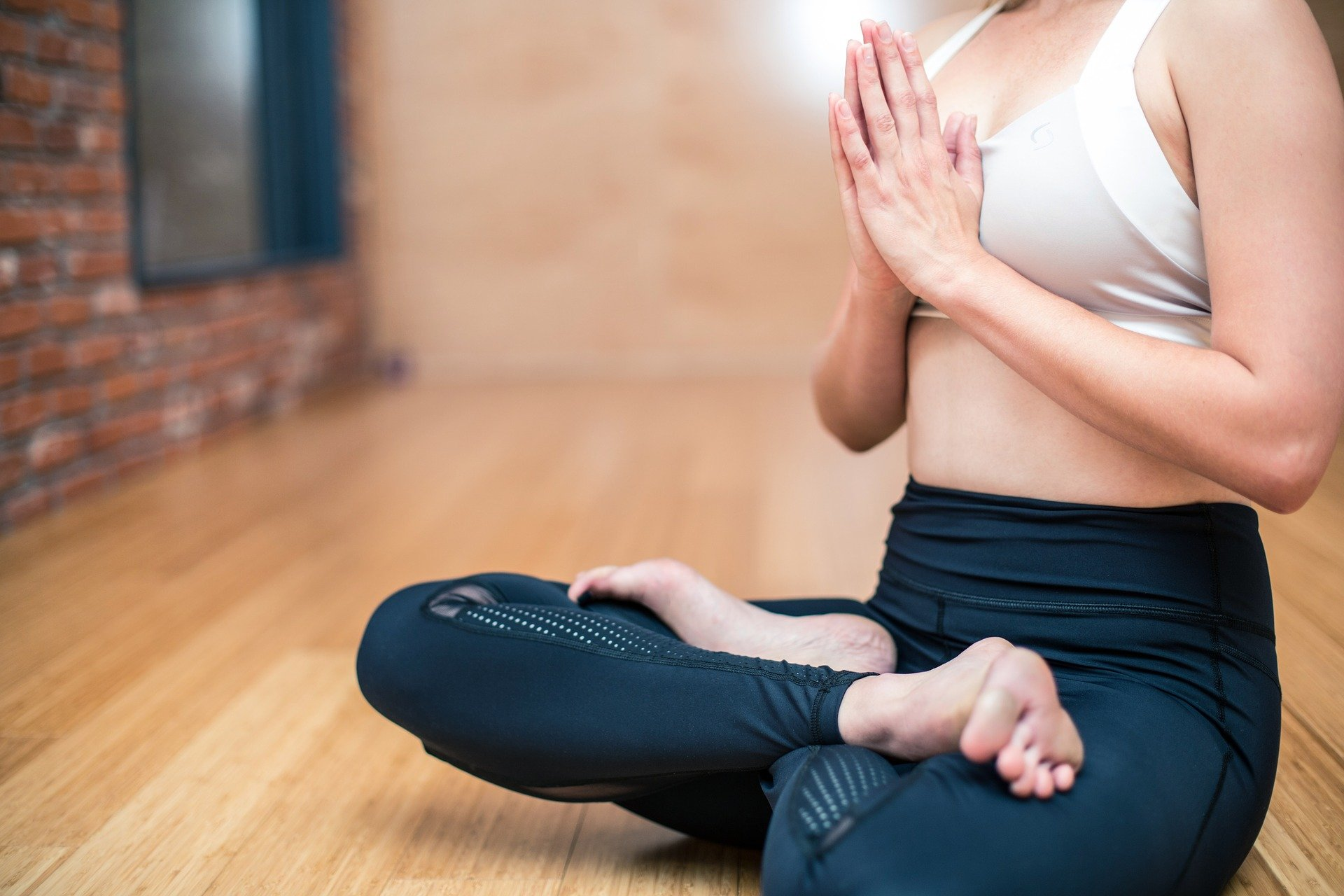 Simple Ways To Improve Your Focus And Stop Your Mind Wandering When Meditating Hope Zvara Blog Post